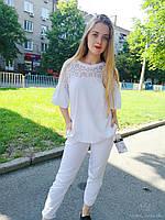 Белая блуза с красивым рукавом воланом и кружевными вставками спереди и на спине. Размер M/L. Италия