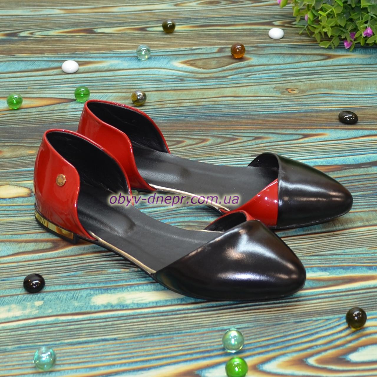 Стильные женские лаковые туфли на низком ходу, цвет красный/черный