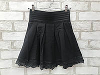 Юбка школьнаядетская клёшдля девочки от 6 до 10 лет чёрная с мелкой вышивкой, фото 1