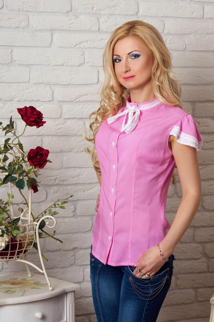Блузка с красивой гипюровой отделкой