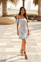 Легкое короткое летнее платье с воланами голубое