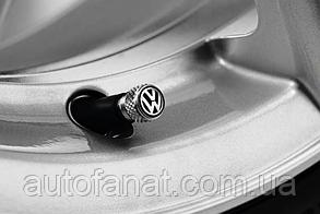 Оригинальные колпачки на ниппель Volkswagen Valve Dust Caps, For Alu (000071215A)