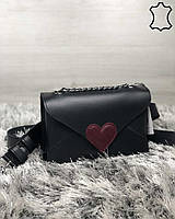 Кожаная женская сумка-клатч Leya с черного цвета с бордовым сердечком