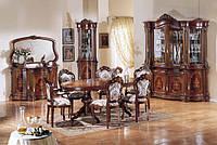 BTC ARCADIA Столовая Regina: Витрина, Креденс с зеркалом, угловая витрина, стол овальный, стулья. Натуральное дерево.