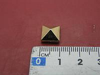 Украшение пирамида пришивное