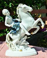 Шикарная скульптура,Всадница! Конь! Германия!