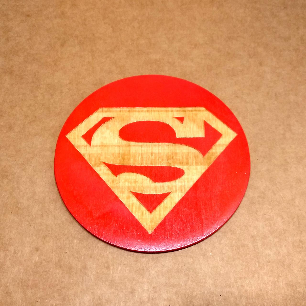 Костер деревянный. Подставка под кружку Супермен.