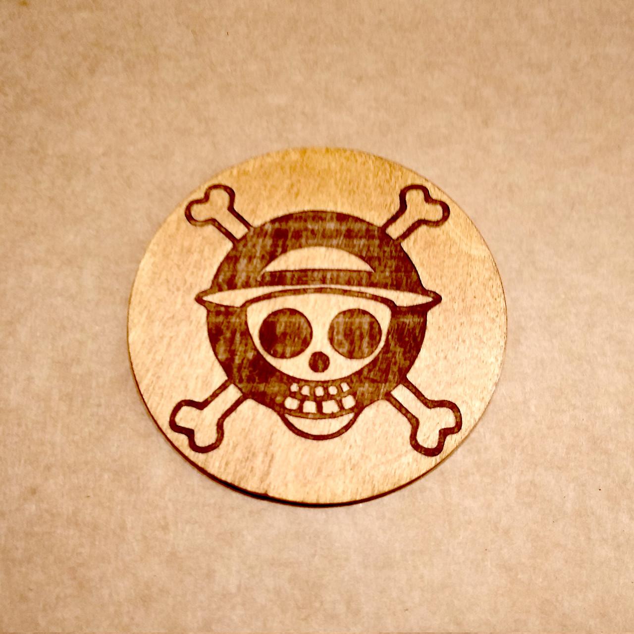 Костер с лазерной гравировкой. Подставка под кружку One Piece.