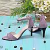 Босоніжки жіночі замшеві на підборах, колір-ліловий, фото 4