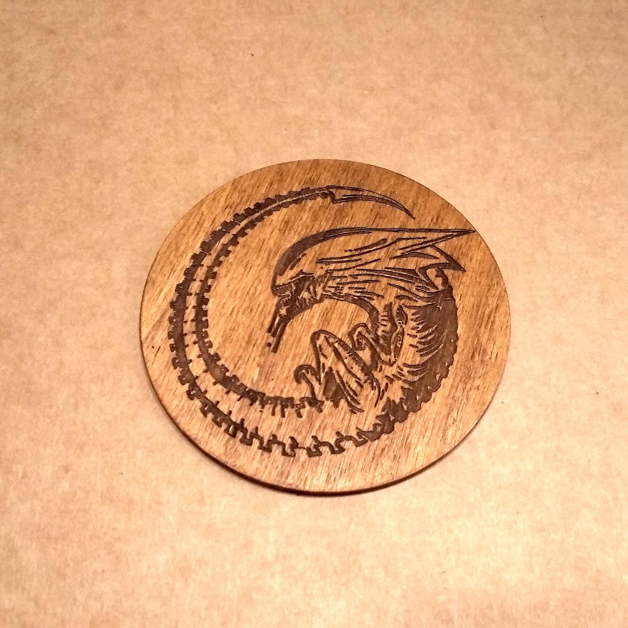 Костер деревянный. Подставка под кружку Чужой.