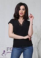 Жіноча чорна блуза з мереживом