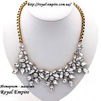 """Ожерелье """"Лилианна"""" золотистая основа под старину и белые кристаллы, свадебный стиль."""