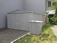Выставочная площадка гаража и мусорного контейнера в г. Полтава.