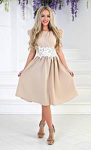 Женственное летнее платье с кружевом