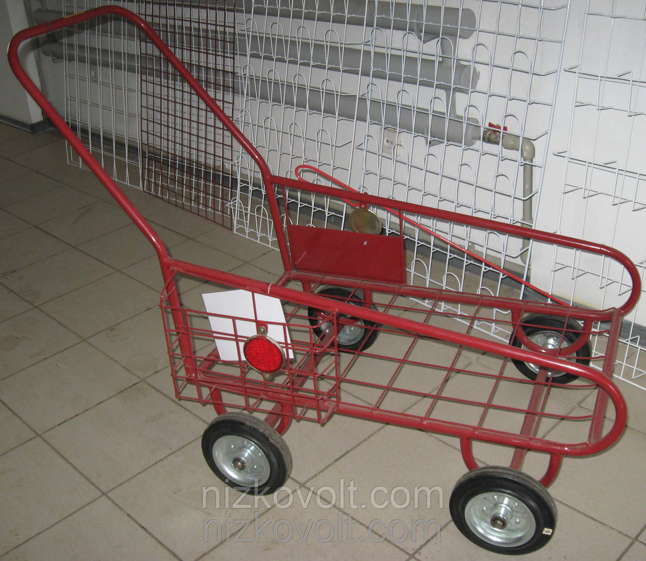 Тележка ручная  металлическая для перевозки грузов до 150 кг.