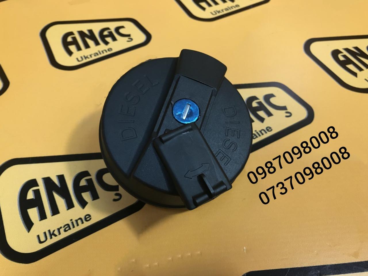 Крышка топливного бака на JCB 3CX, 4CX  номер : 333/C0880, 332/F4780, 331/11403