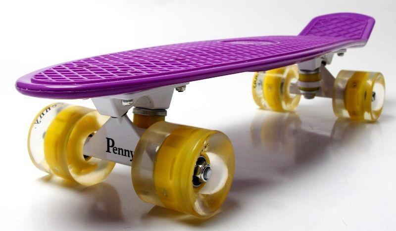 Penny Board. Violet. Светящиеся желтые колеса.