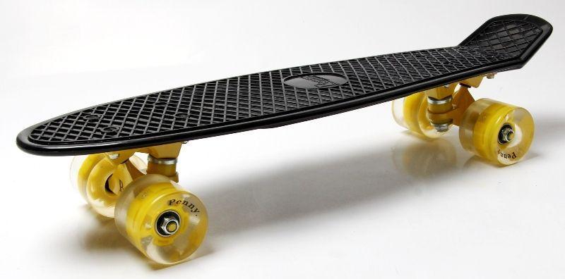 Penny Board. Black. Светящиеся желтые колеса.