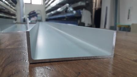 Швеллер алюминий | П образный профиль без покрытия, 80х30х3 мм