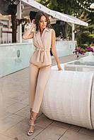 Стильный женский костюм жилет и брюки бежевый
