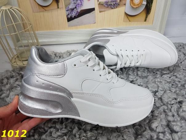 Модные женские  кроссовки похожи на MсQueen макквин белые с серебристым задником