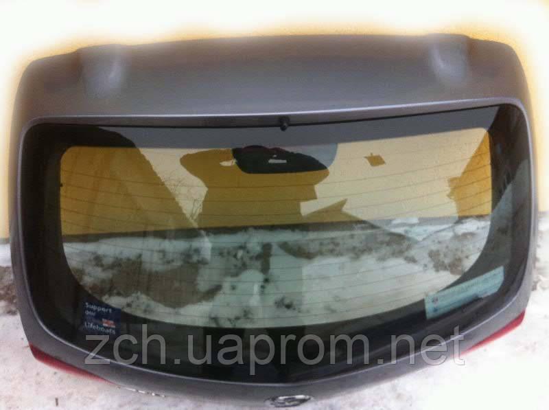 Петля кришки багажника Mazda 3 Хетчбек
