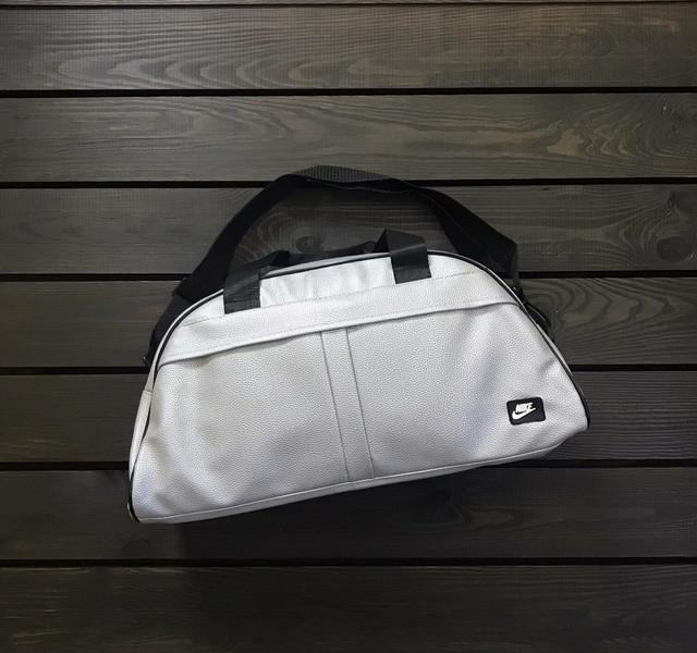 Спортивные сумки из искуственной кожи