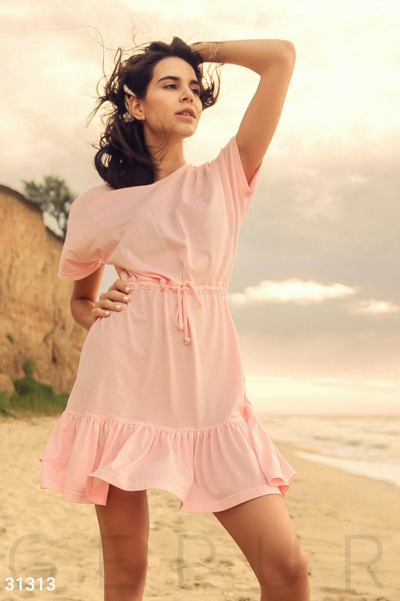 Повседневное летнее платье свободного кроя розовое