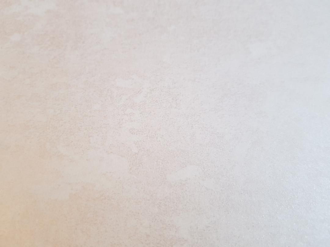 Обои флизелиновые  Khroma LAV702 LA VIE EN ROSE однотонные коричневые ветки