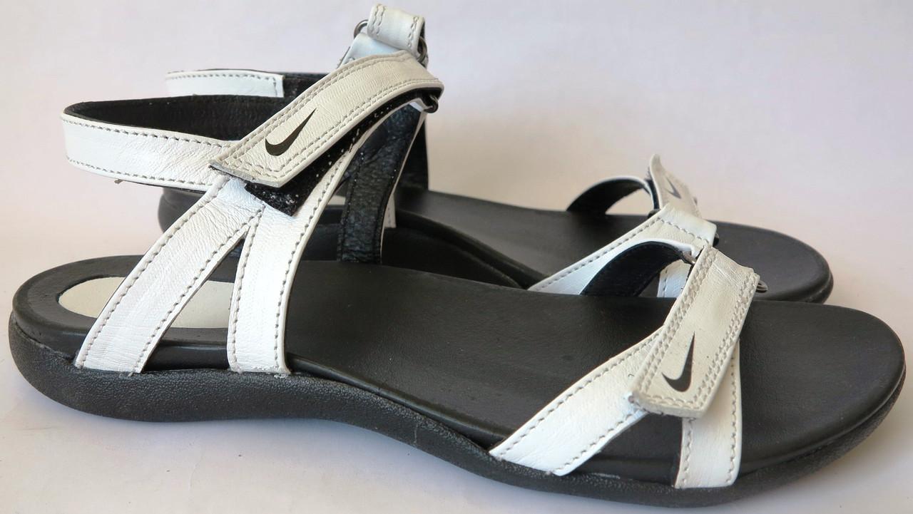 08be36d02ebfc0 Nike Жіночі шкіряні спортивні білі босоніжки сандалі Найк спорт літо без  каблука - VZUTA.COM