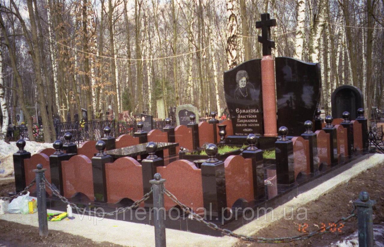 Памятник гранитный Г-677