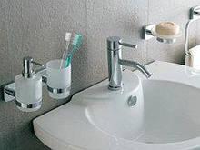 Мыльницы, дозаторы жидкого мыла, стаканы для зубных щеток, жидкости для биотуалетов