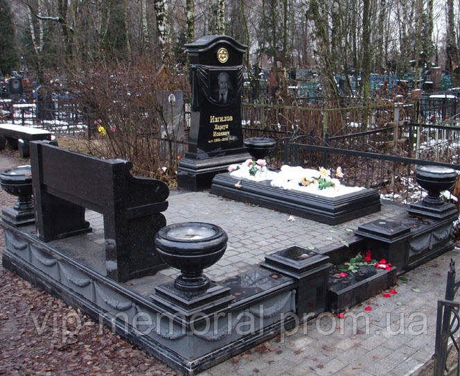 Памятник гранитный Г-356