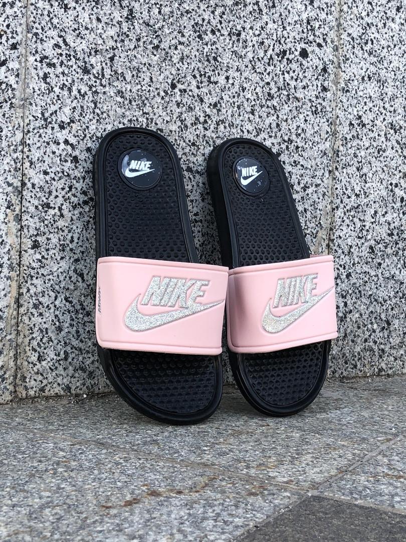 Сланцы. Шлёпанцы женские Nike (шльопанці).