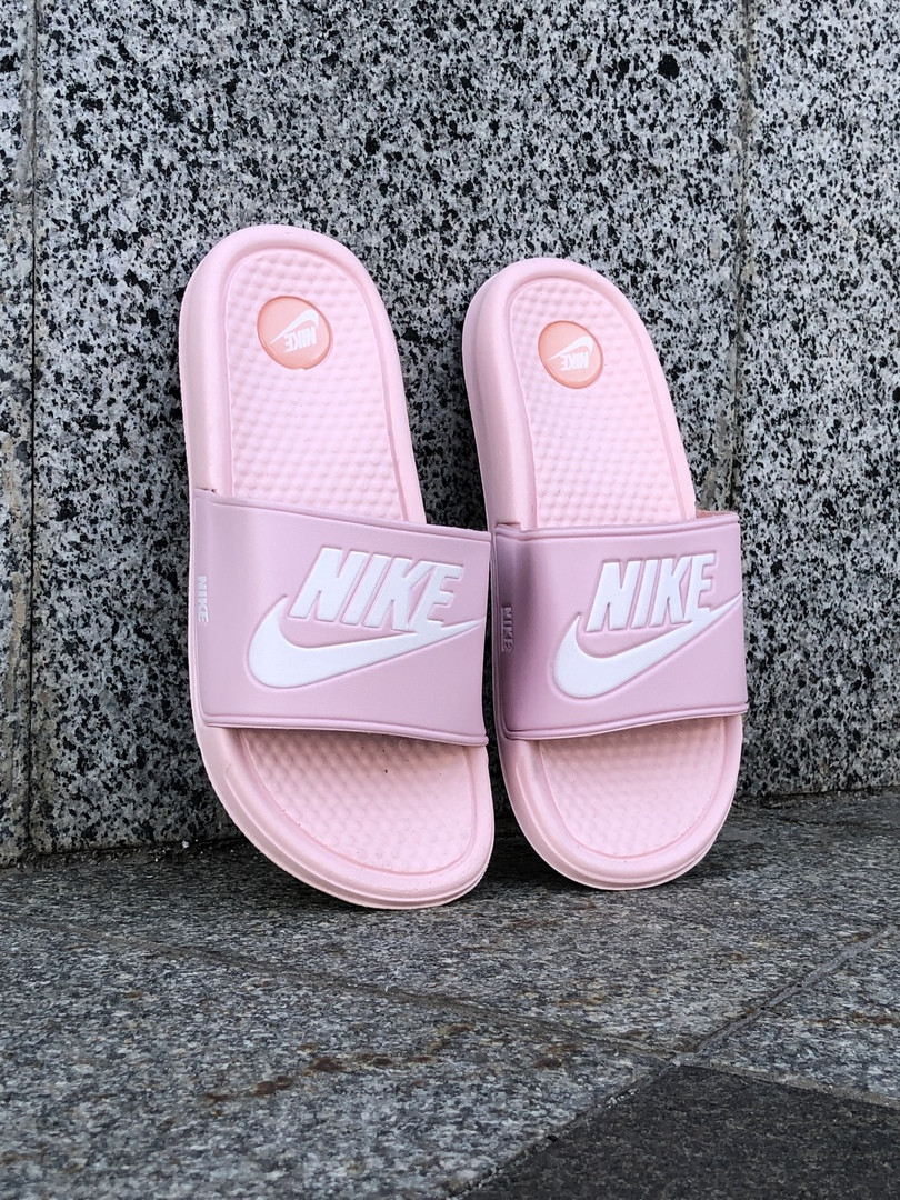 Сланцы. Шлёпанцы женские Nike (шльопанці). ТОП КАЧЕСТВО !!! Реплика класса люкс