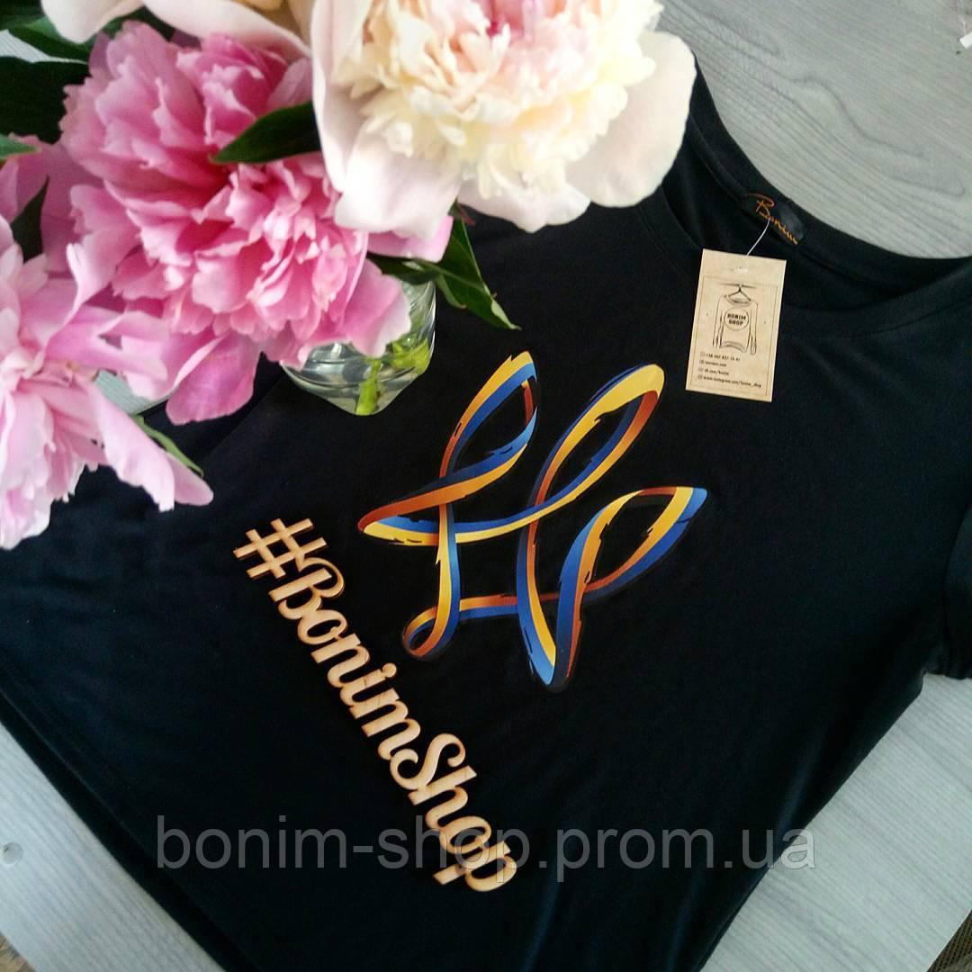 Женская черная футболка с цветным принтом герб Украины
