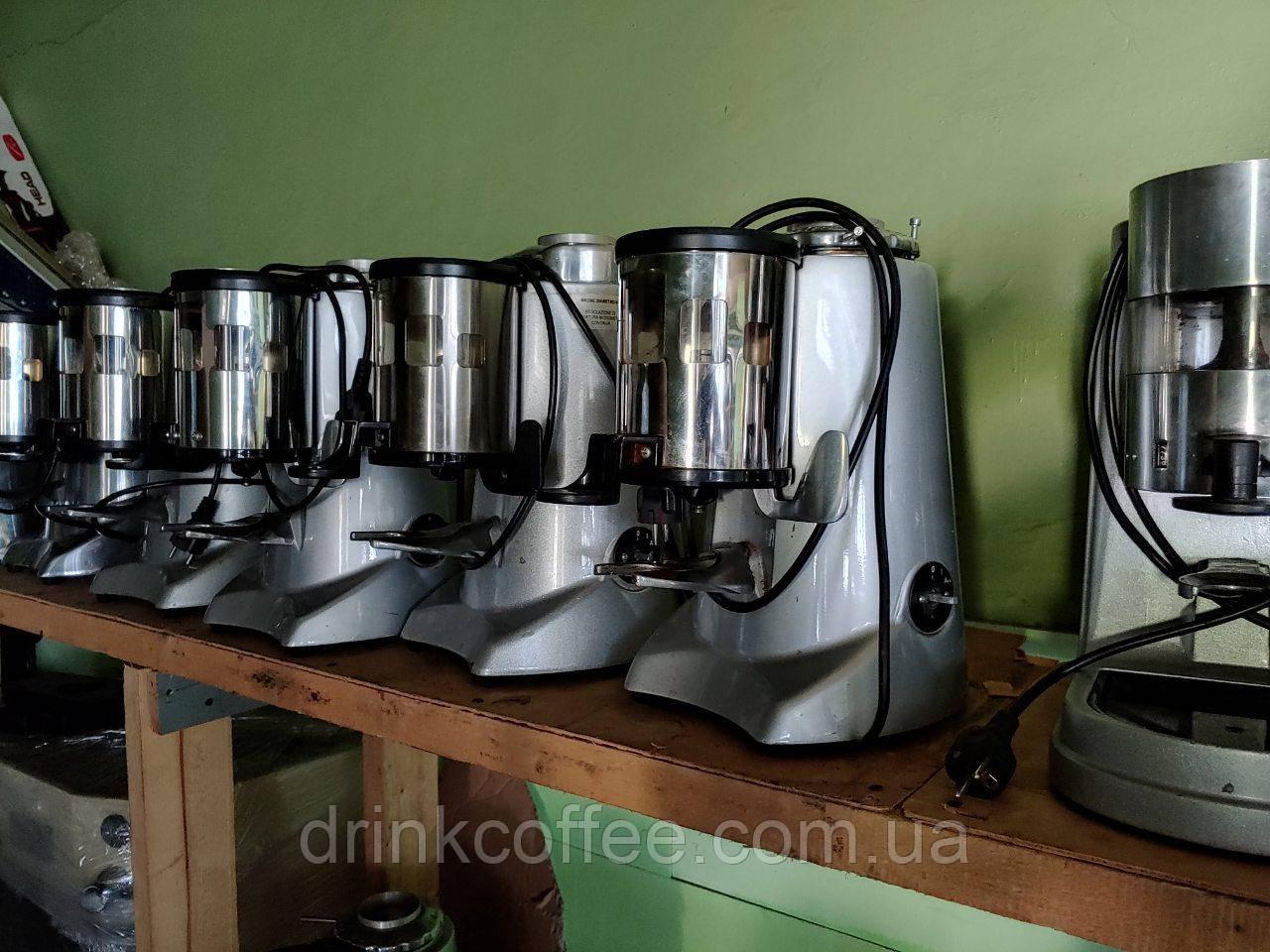Кофемолка Fiorenzato F5 б/у (новый бункер)