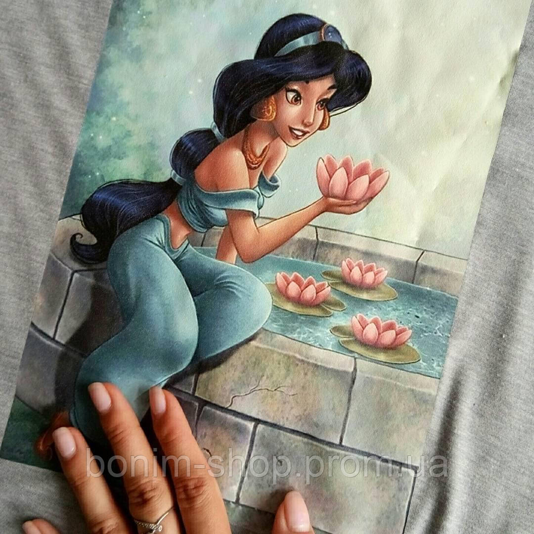 Женская серая футболка с цветным принтом Жасмин