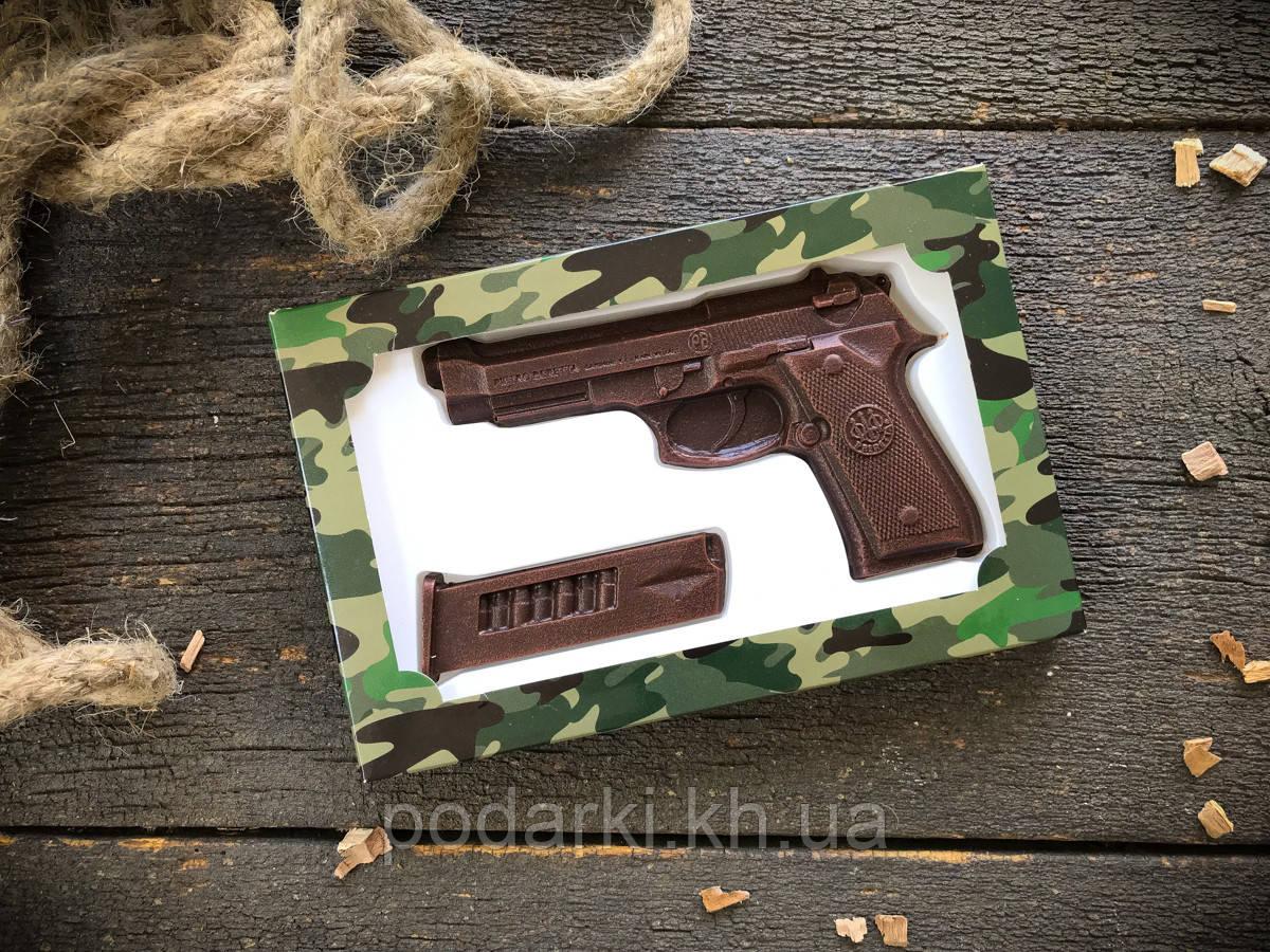 Шоколадный набор Пистолет с обоймой ко Дню защитника