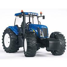 Игрушка Bruder трактор New Holland T8040 1:16  (03020)