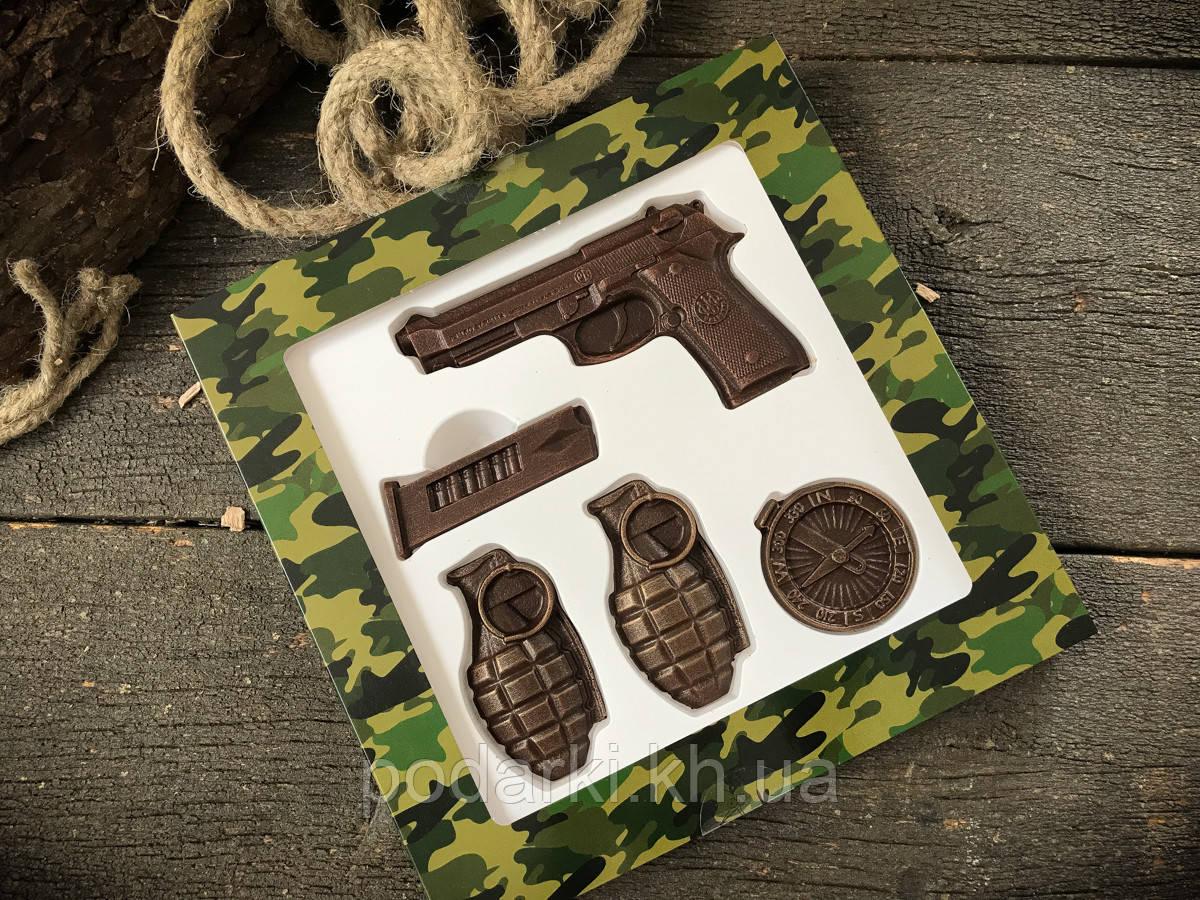 Шоколадный набор Пистолет и гранаты военному
