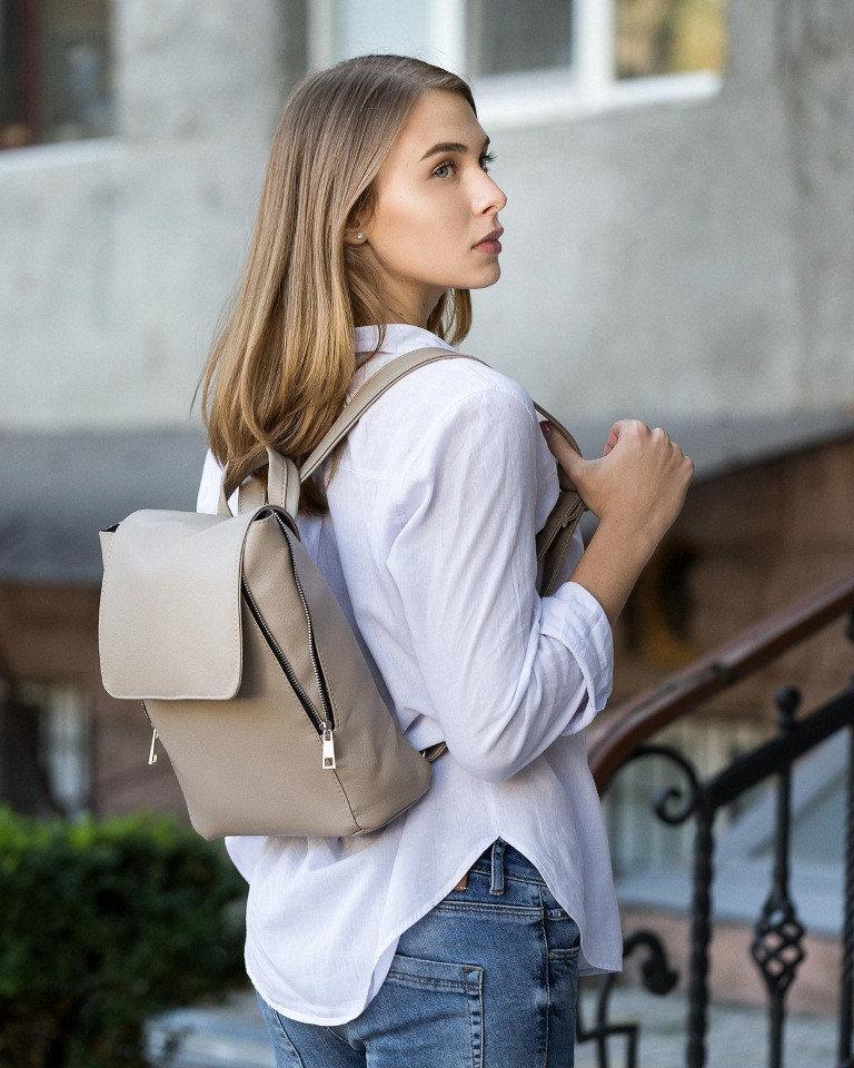 Стильный городской повседневный рюкзак s Klapanom в расцветках