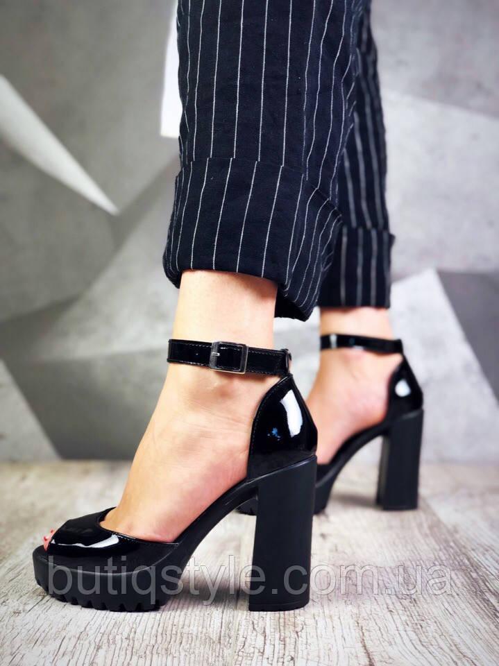 36 размер Женские босоножки черные на каблуке натуральная лаковая кожа