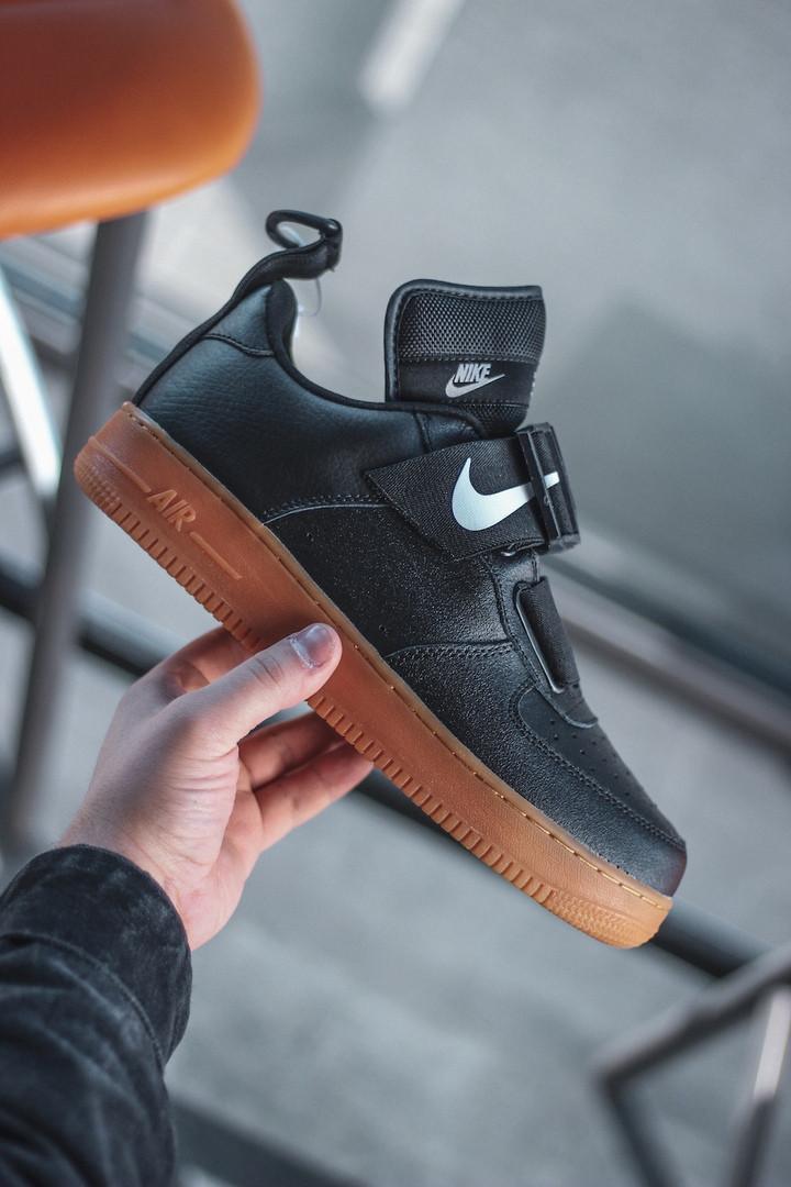 Чоловічі кросівки Nike Air Force Utility Black/Gum