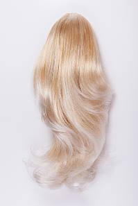 Волнистый шиньон на крабе №4. цвет мелирование карамельный блонд и классический