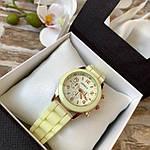 Женские наручные часы на силиконовом ремешке Geneva светло желтые, фото 3