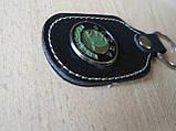 Брелок d продолговатый Skoda 97мм 8г кожезаменитель коричневый эмблема зеленая Шкода на ключи , фото 3
