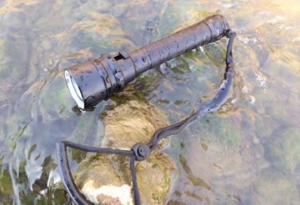 Мощный фонарь подводный Police 8799 T6