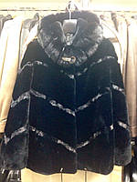Шуба женская натуральная мутоновая короткая черная с капюшоном