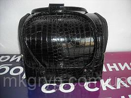 Бьюти-кейс. сумка для мастеров индустрии красоты. Цвет - черный, лаковый.